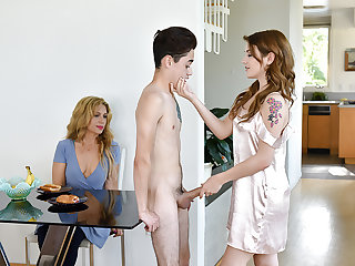 FamilyStrokes - Stepsiblings Gets Caught Fucking off out of one's mind Stepmom