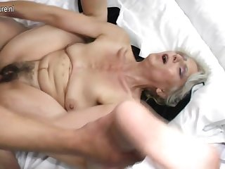 Puristic grandma lasting fucked apart from young lover