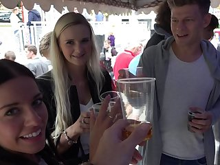 Trio Sex on Public