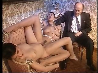 Cougar Gets hefty invoice pop-shots In classical Italian porno flick sextube