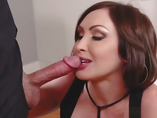 Horny Guy Nails His Nubile Aunt Yasmin Scott