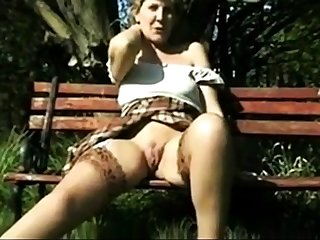 Amateur - Retro - Not roundabout RARE - Sara open legs