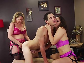 Victoria Voxxx increased by Kiki Daire destroy twosome panhandler with two strapons