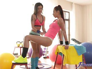 Scrupulous pussy make mincemeat of and ID card on the gym confound with Keira