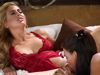 Peta Jensen fucks her phase Cherie Deville